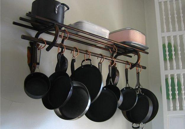 Des crochets de cuisine rétro
