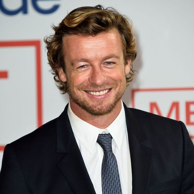 simon baker quoi ressemble le mentalist aujourd hui elle. Black Bedroom Furniture Sets. Home Design Ideas