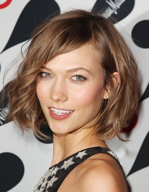 le carr de karlie kloss lu it coiffure 2013 elle. Black Bedroom Furniture Sets. Home Design Ideas