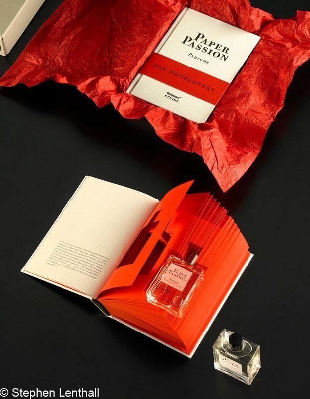 Karl Lagerfeld n'aurait pas collaboré au parfum Paper Passion