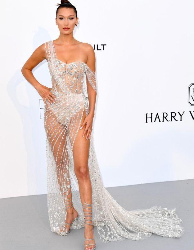 Le look du jour de Cannes : la robe transparente de Bella Hadid
