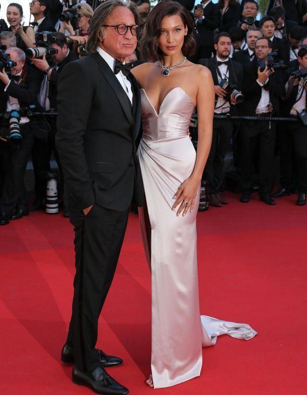Cannes : mais qui était l'homme au bras de Bella Hadid ?