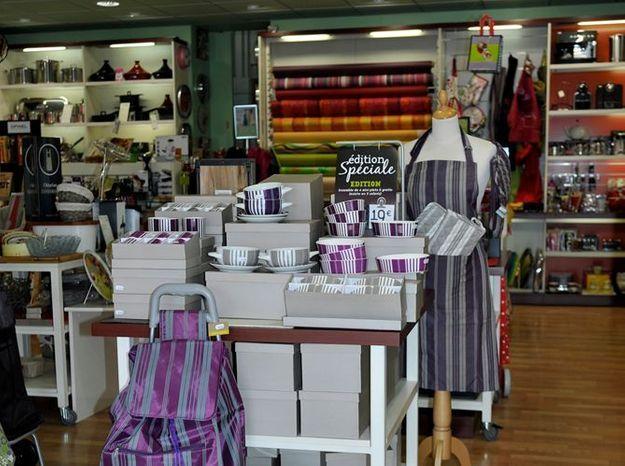 Un nouveau magasin pour les cuisiniers elle d coration for Decoration pour magasin