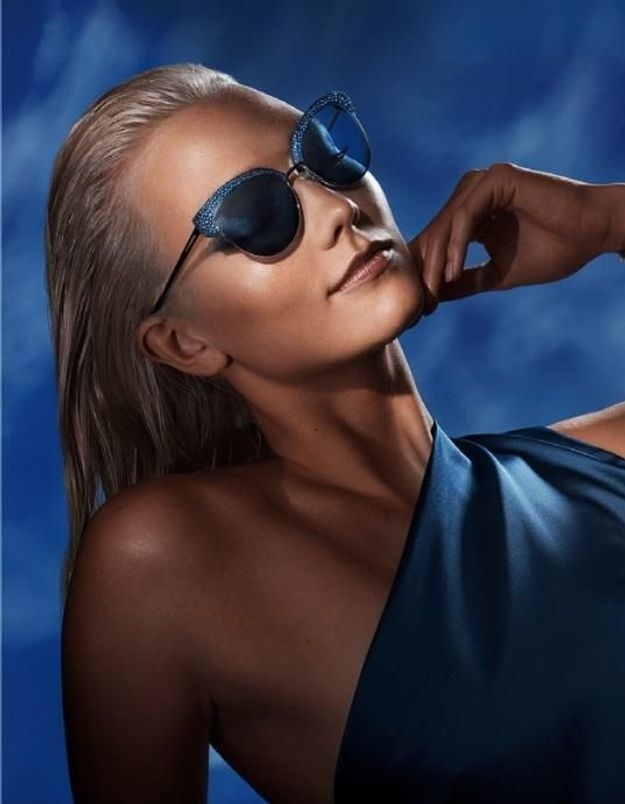 On est éblouis par la première collection de lunettes de soleil de l'Atelier Swarovski