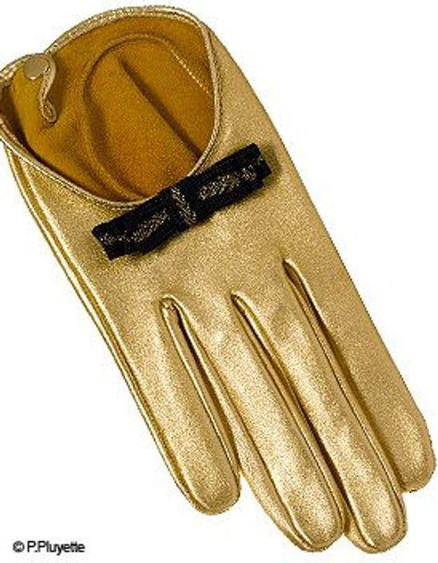 Gold fingers
