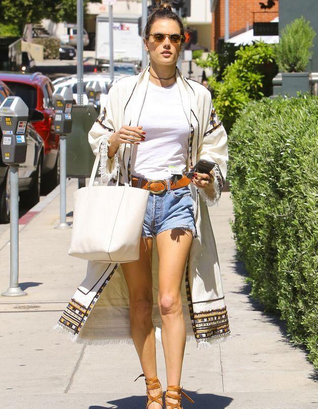 Pourquoi elle est bien : le look estival d'Alessandra Ambrosio