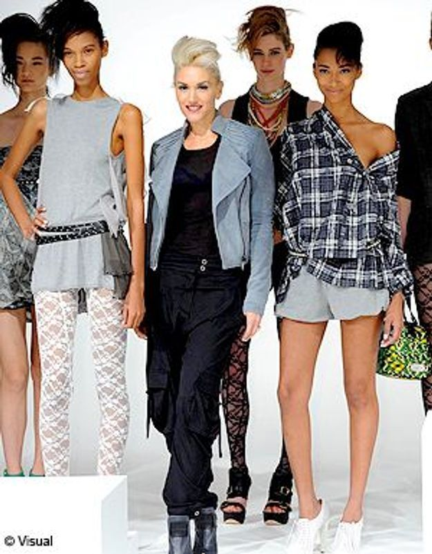 gwen stefani top d un jour la fashion week de ny elle. Black Bedroom Furniture Sets. Home Design Ideas