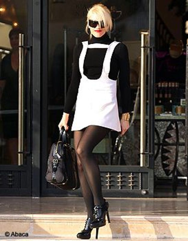 le look du jour gwen stefani elle. Black Bedroom Furniture Sets. Home Design Ideas