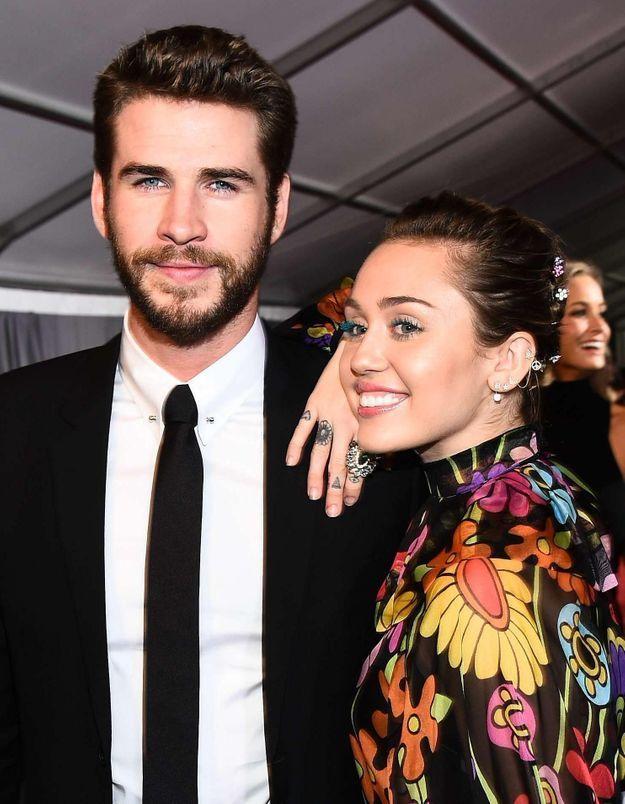 Le premier tapis rouge de Liam Hemsworth et Miley Cyrus depuis 2013