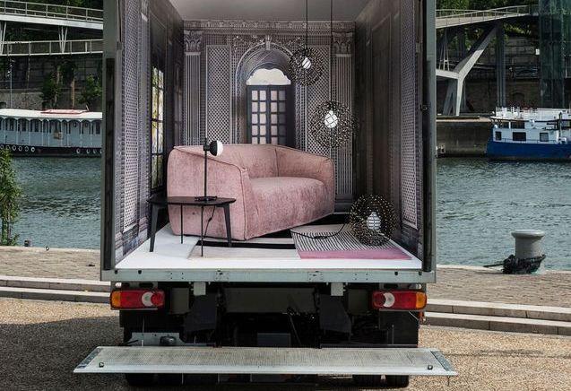 Faire tenir un beau canapé dans (un salon de) 9 m² ? On a relevé le défi !