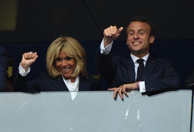 France-Croatie : Brigitte et Emmanuel Macron, complètement déchaînés dans les tribunes