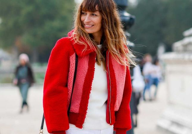 Caroline de Maigret ose la queue-de-cheval haute et on adore !