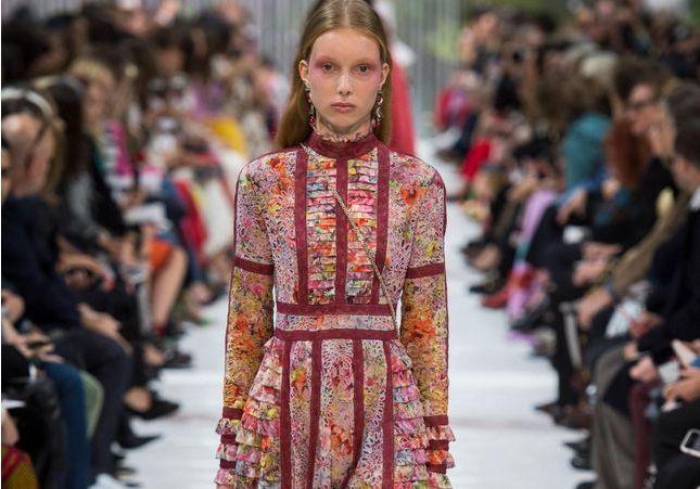 Fashion Week : les jeunes filles en fleur de Valentino