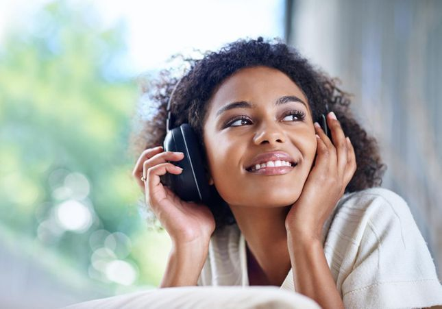 Boostez votre vie pro avec les podcasts ELLE Active !