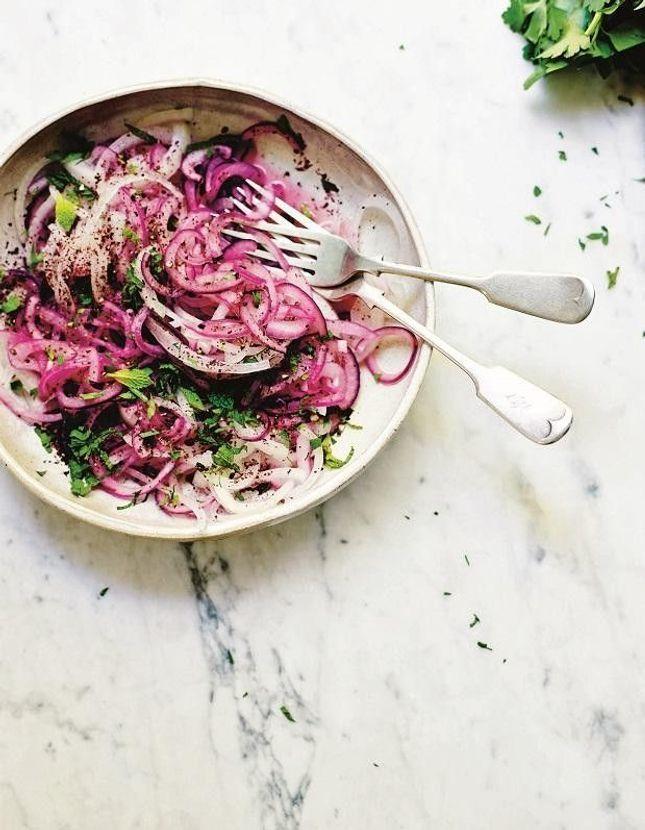 Salade à l'oignon et au sumac
