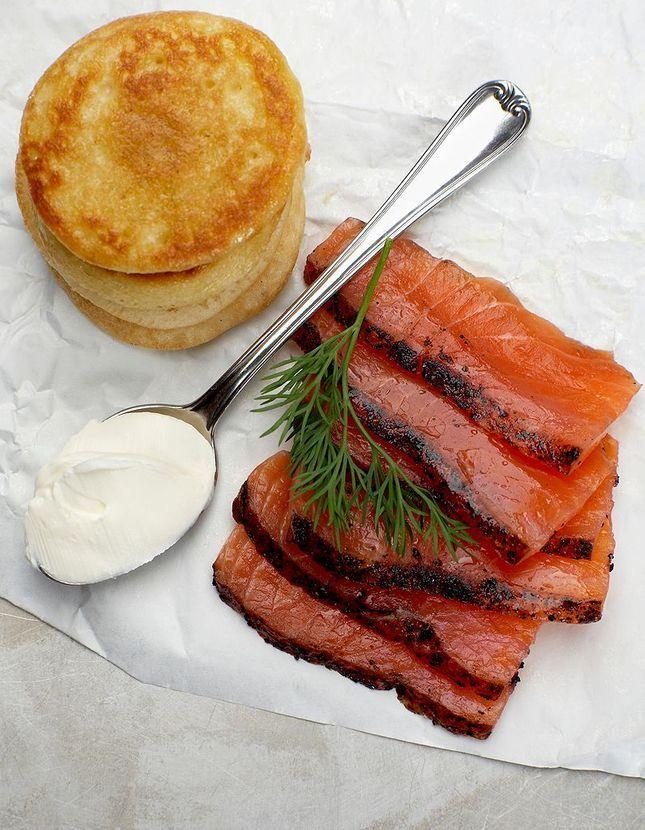 saumon de no l recettes de saumon de no l elle. Black Bedroom Furniture Sets. Home Design Ideas