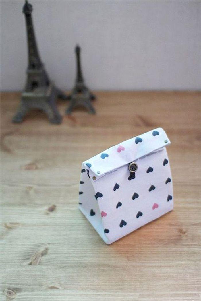Berühmt Emballage cadeau en tissu à faire soi-même - 25 idées d'emballages  FY08