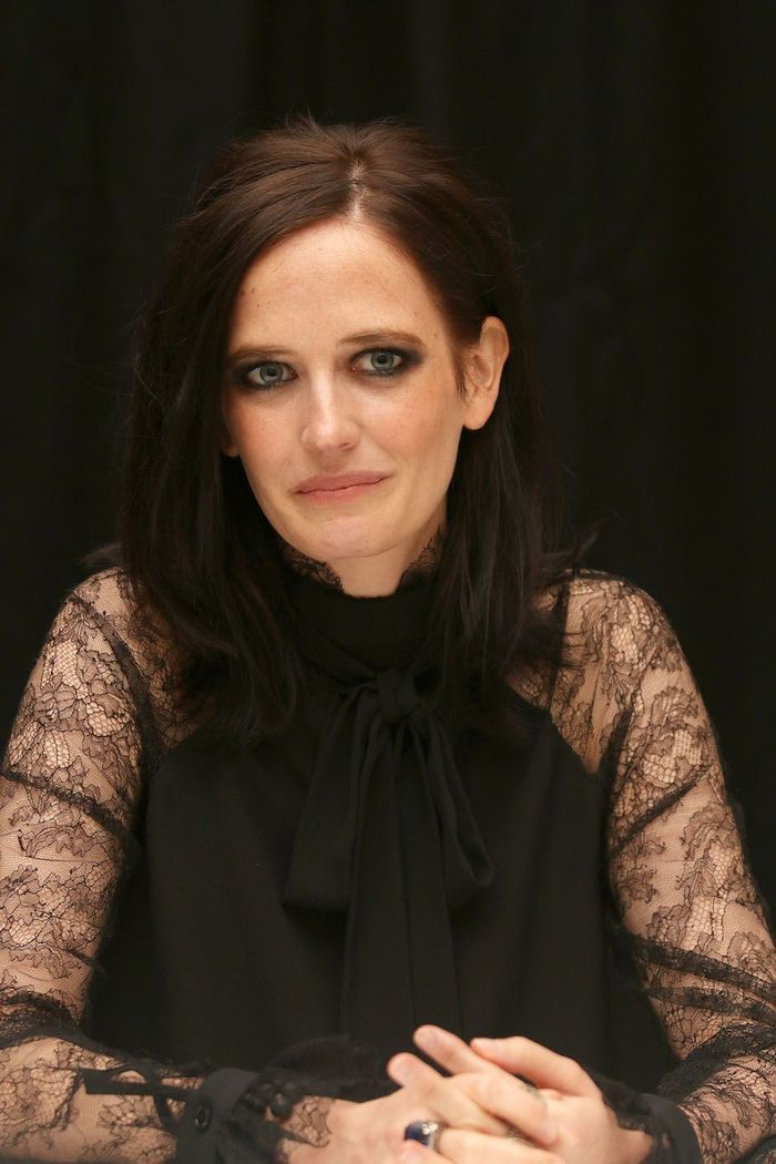 eva green cancer 10 stars n es sous le signe du cancer elle. Black Bedroom Furniture Sets. Home Design Ideas