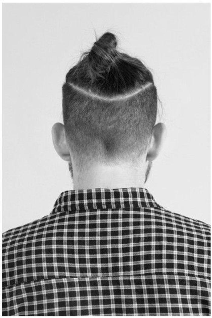 le top knot pour homme ces coupes de cheveux pour hommes qui nous s duisent elle. Black Bedroom Furniture Sets. Home Design Ideas
