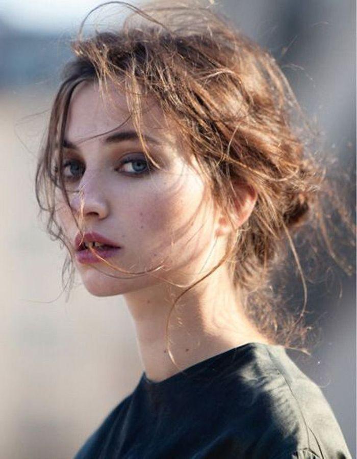 coupe cheveux attach s automne hiver 2016 cheveux attach s 78 id es de coiffures chics ou. Black Bedroom Furniture Sets. Home Design Ideas