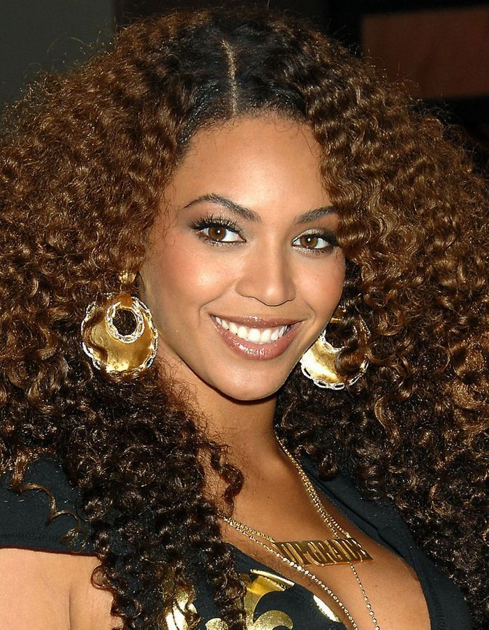 beyonc est son tissage naturel cheveux ces stars qui. Black Bedroom Furniture Sets. Home Design Ideas