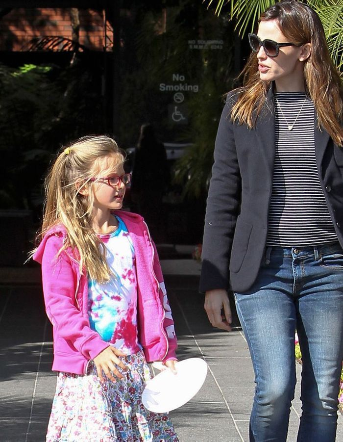 Coiffure enfant : la demi-queue de Violet Affleck