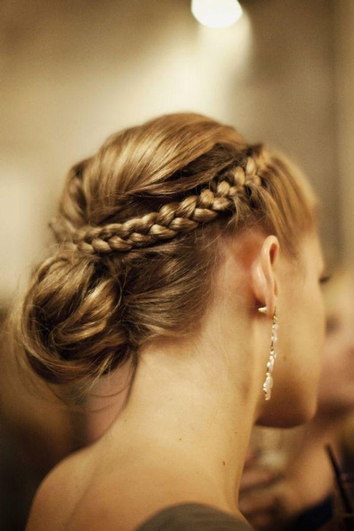 Chignon mariage cheveux longs avec tresses