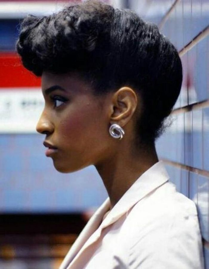 coiffure afro femme cheveux cr pus hiver 2015 coiffures. Black Bedroom Furniture Sets. Home Design Ideas