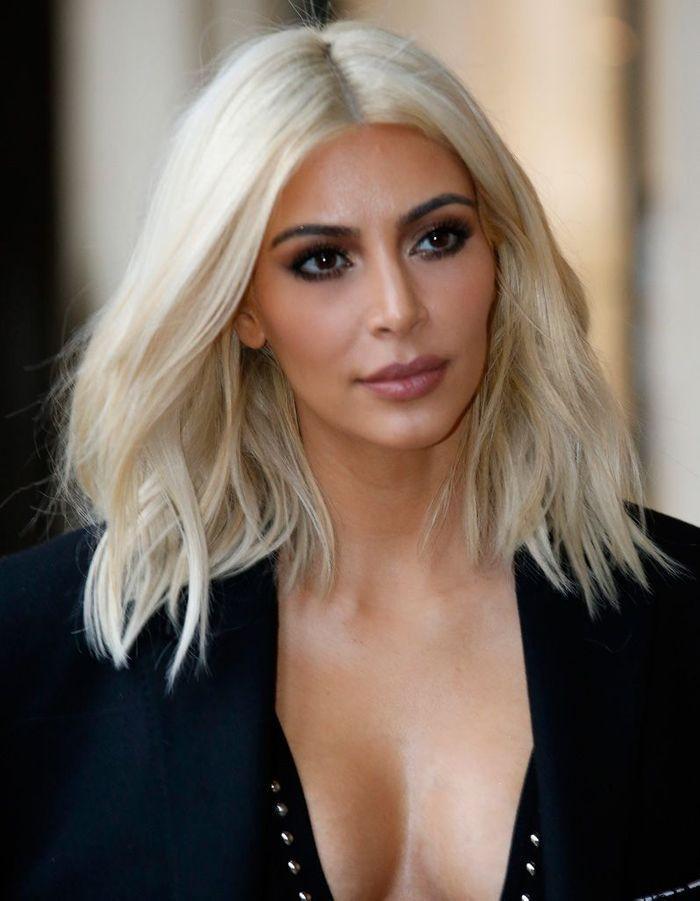 apr s kim kardashian blonde coloration de stars les avant apr s les plus r ussis elle. Black Bedroom Furniture Sets. Home Design Ideas