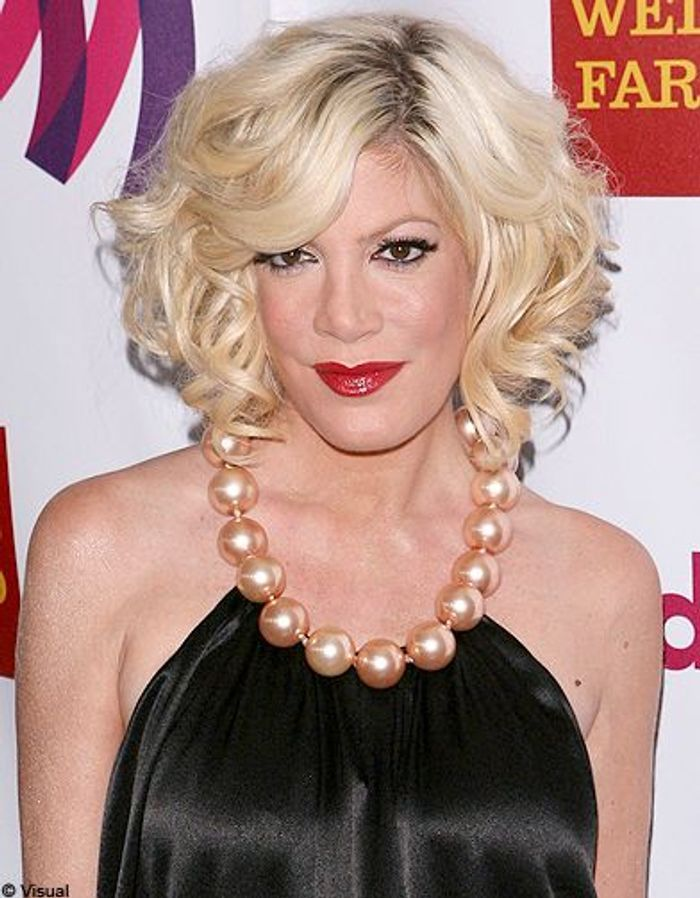 Beaute tendance cheveux coiffure coupe carre people Tori Spelling ...