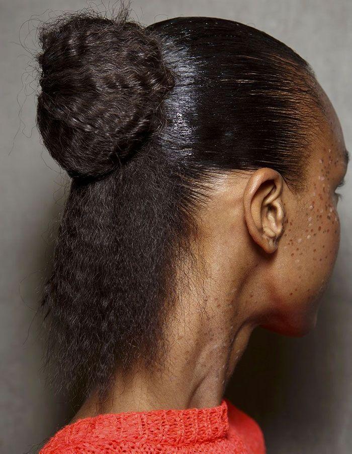 Half-up sur cheveux crépus