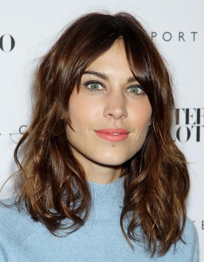 le carr flou d alexa chung le carr flou nouvelle coupe pr f r e des stars elle. Black Bedroom Furniture Sets. Home Design Ideas
