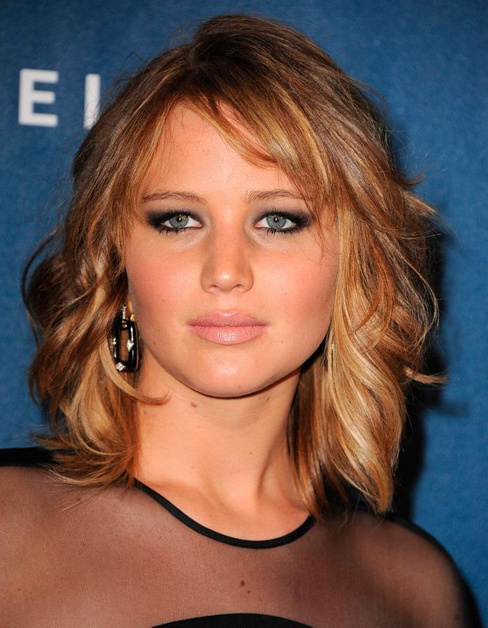 jennifer lawrence les cheveux au carr une coupe a change tout elle. Black Bedroom Furniture Sets. Home Design Ideas