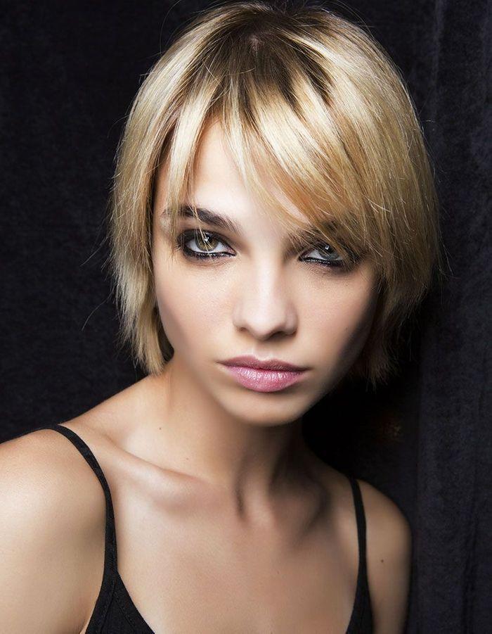 Frange longue blonde