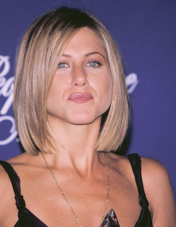 Le carr strict de jennifer aniston en 2001 l volution coiffure de jennifer aniston elle - Coiffure jennifer aniston ...