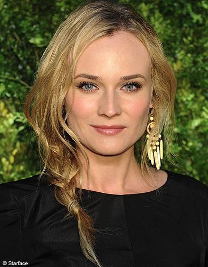 beaute people tendance coiffure tresse decoiffees diane kruger coiffure de stars la tresse. Black Bedroom Furniture Sets. Home Design Ideas
