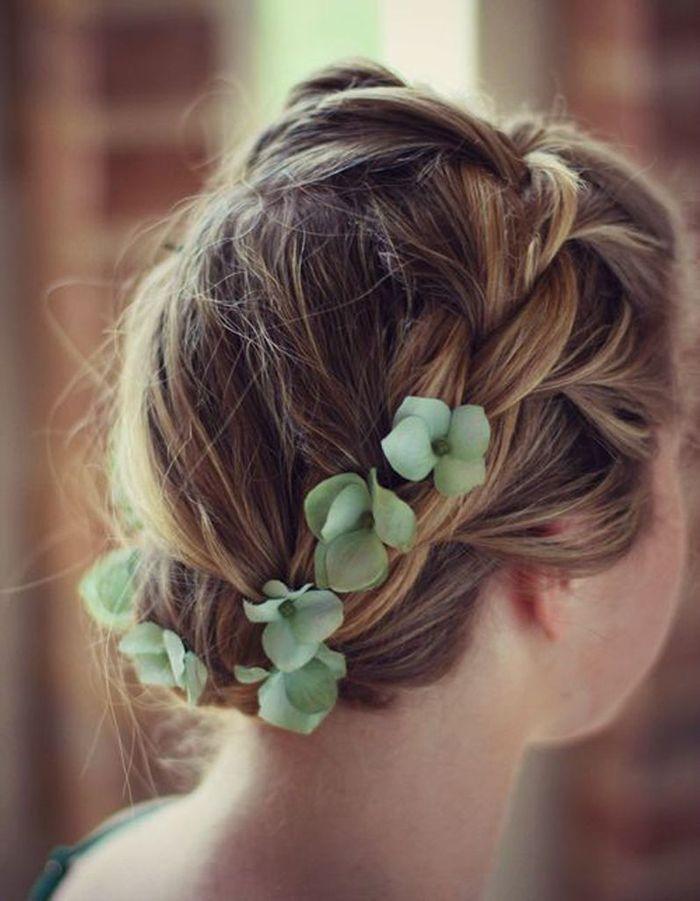 coiffure de mari e tresse fleurie les plus jolies coiffures de mari e pour s inspirer elle. Black Bedroom Furniture Sets. Home Design Ideas