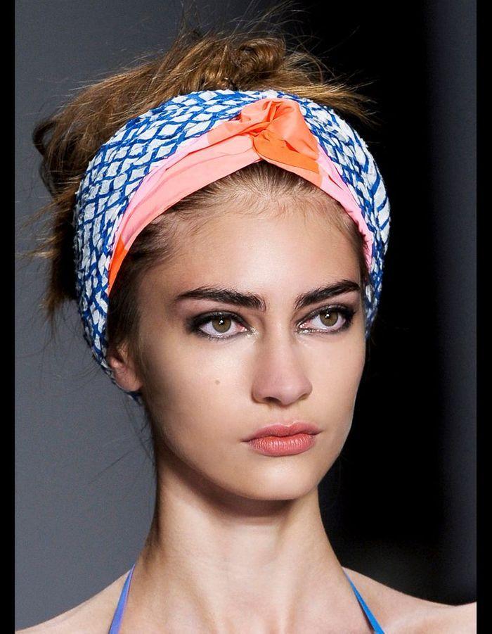Comment redresser les cheveux ethniques