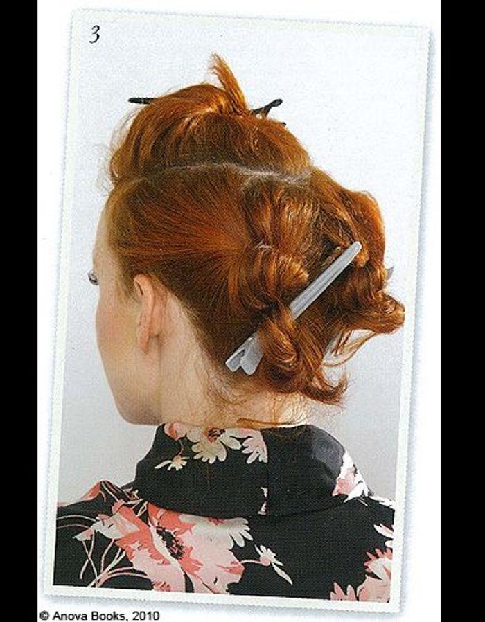 beaute cheveux coiffure vintage retro etape 3 mon chignon r tro en un tournemain elle. Black Bedroom Furniture Sets. Home Design Ideas