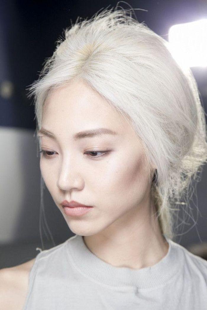 Cheveux Blancs Jeune 25 Jolies Fa 231 Ons De Porter Les