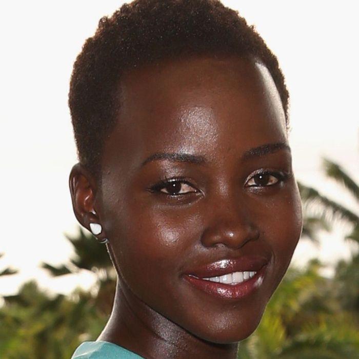 Le maquillage nude des peaux noires comme Lupita Nyongo