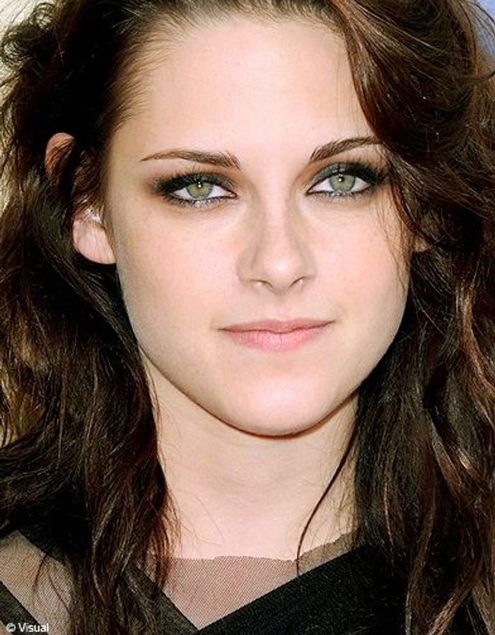 maquillage yeux verts kristen stewart. Black Bedroom Furniture Sets. Home Design Ideas