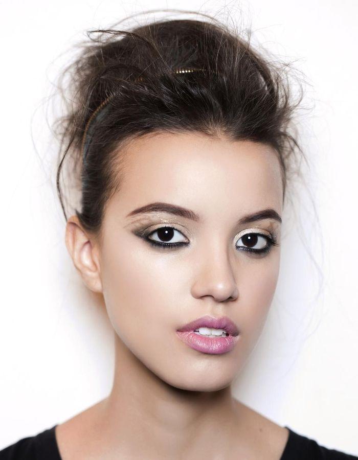 maquillage r veillon regard intense 40 id es de maquillage de r veillon pour briller elle. Black Bedroom Furniture Sets. Home Design Ideas