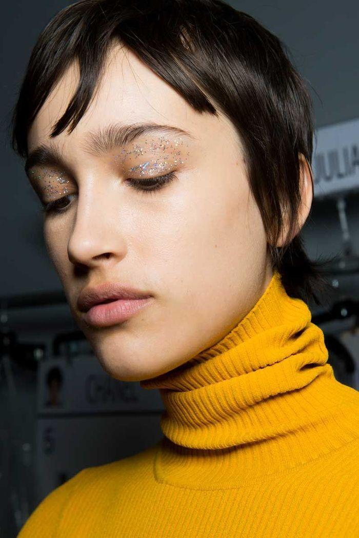 Maquillage Saint-Valentin : les paillettes