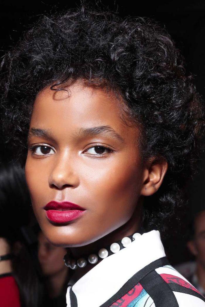 Maquillage sexy : la bouche framboise