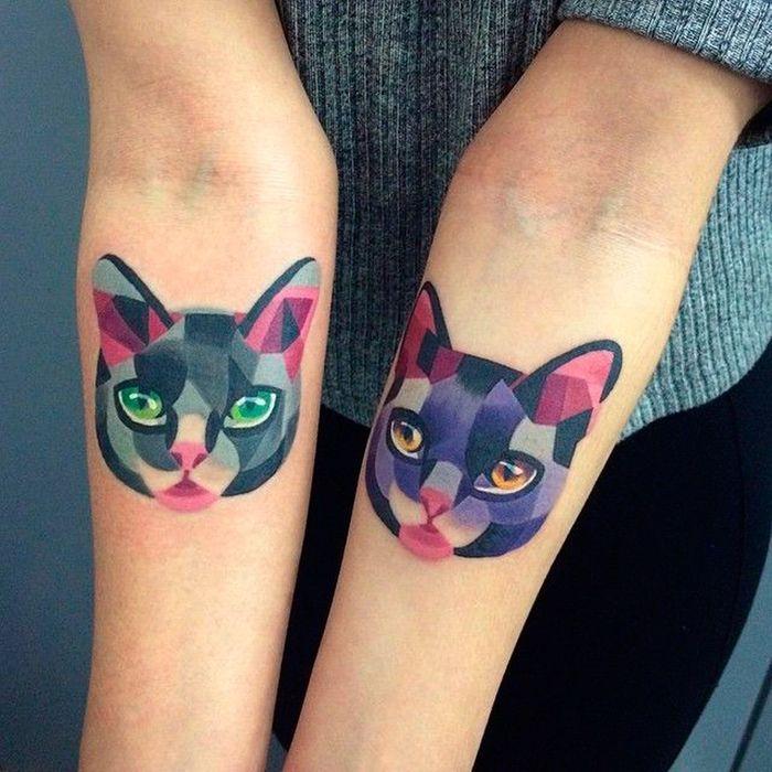 tatouage chat en couleurs tatouage chat les 20 plus jolies inspirations pinterest elle. Black Bedroom Furniture Sets. Home Design Ideas