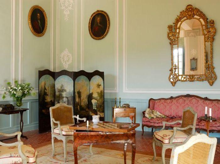no l en provence visite priv e du ch teau d 39 ansouis elle d coration. Black Bedroom Furniture Sets. Home Design Ideas