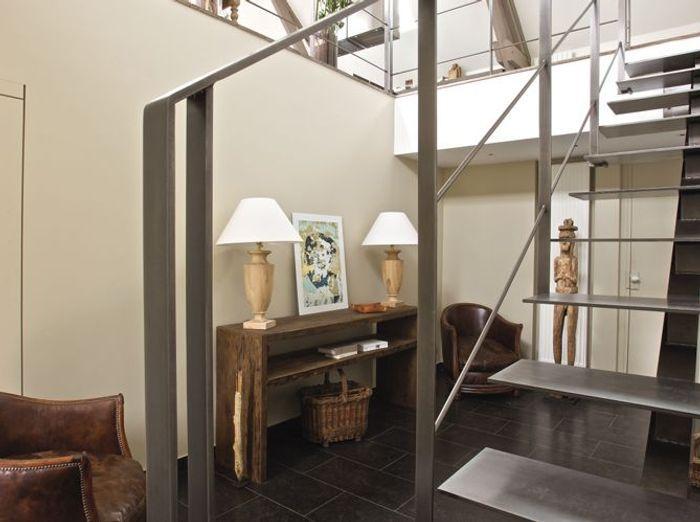 Un loft dans une grange elle d coration for Maison deco belgique