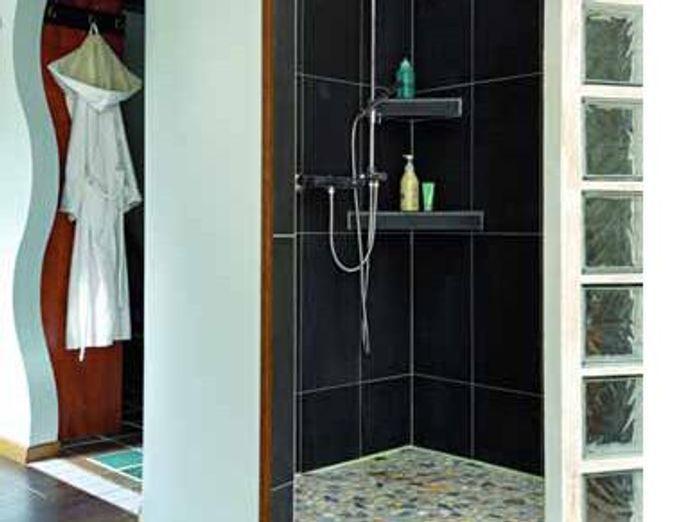 Une chambre avec salle de bains un r ve de bien tre for Chambre de 12m2 avec salle de bain