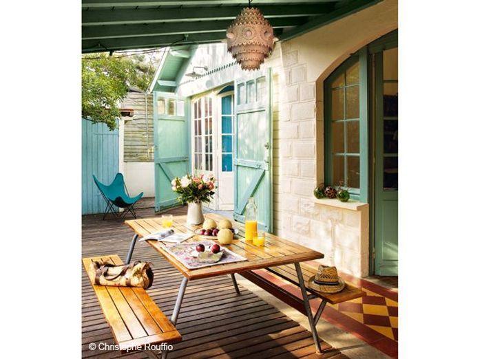une famille nombreuse nous ouvre les portes de sa maison de vacances elle d coration. Black Bedroom Furniture Sets. Home Design Ideas